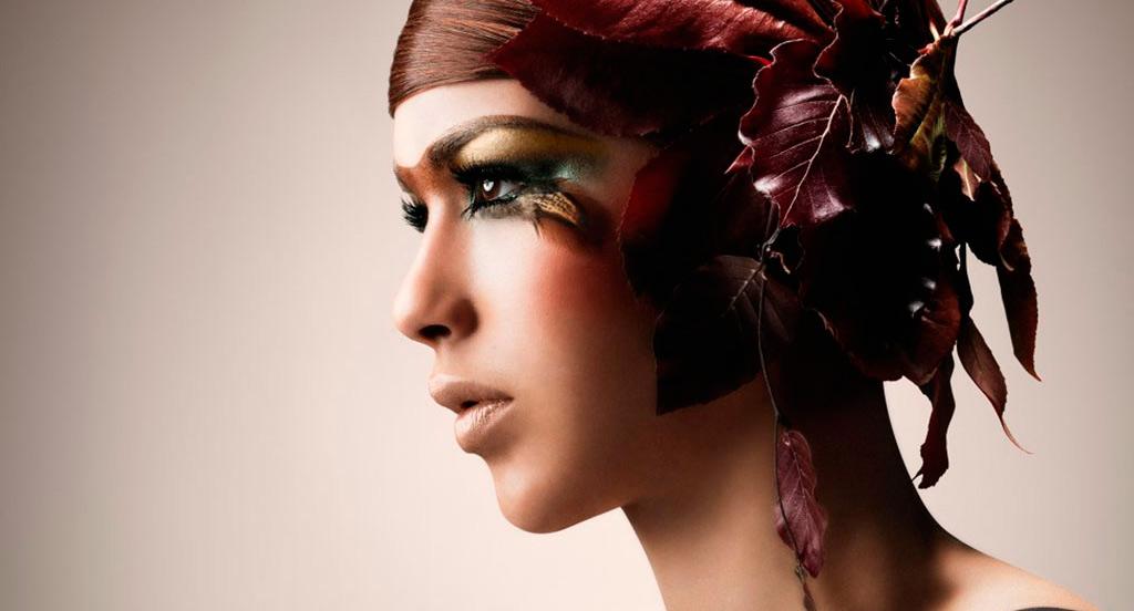 Le photographe beauté, Jerold Partouche, shoot pour la marque Make up line et met la photo dans son book.