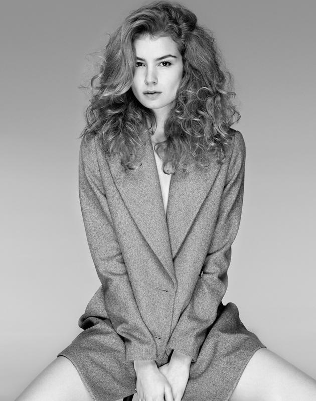Jerold Partouche, photographe beauté et mode, a shooté Julia de l'agence Mademoiselle pour un test mannequin.
