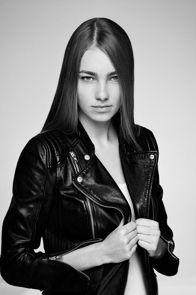 Photographe beauté et mode, Jerold a photographié Martyna pour un test mannequin.